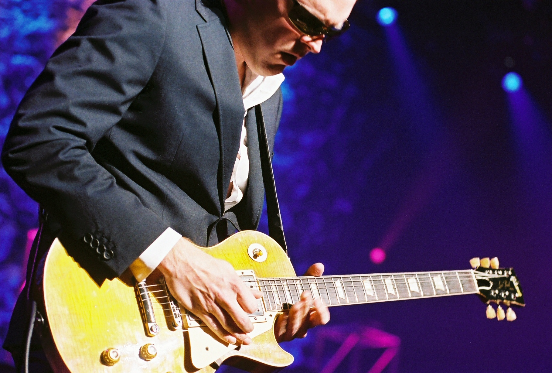 Joe Bonamossa And Blueswaxbluesreview Rocks