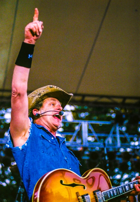 Ted Nugent pointing 2007